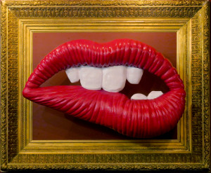 Red lip sculpture by the artist Moses Shahrivar